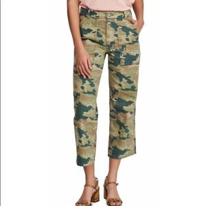 FREE PEOPLE Camo Cropped Jeans Size 32